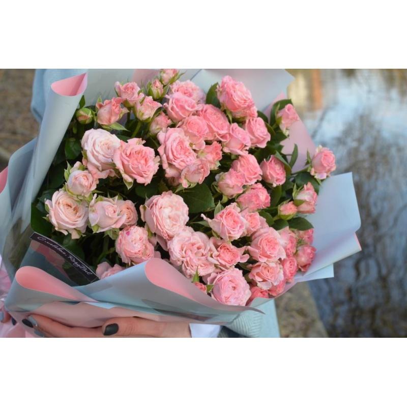 """Букет """"Мадам"""" из 11 кустовых роз"""