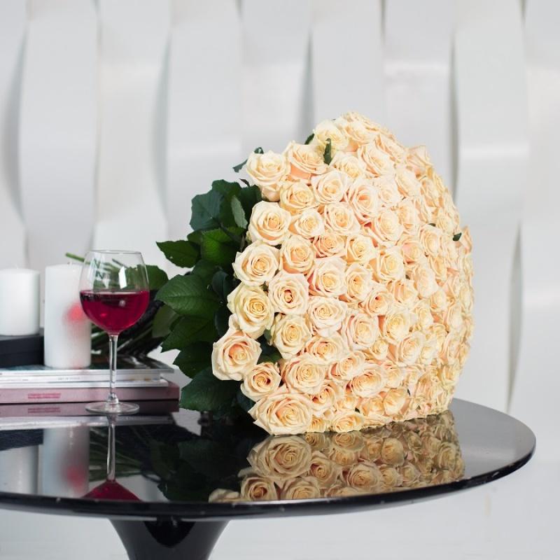 Букет из 101 розы сорта Пич Аваланж