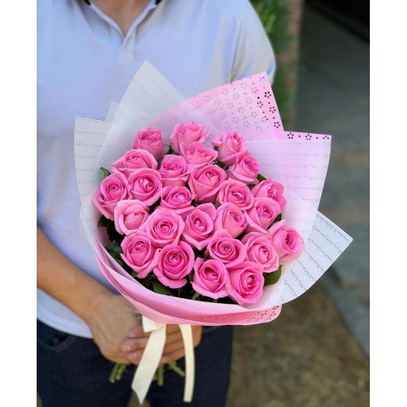 Букет из 25 роз сорта Ревивал