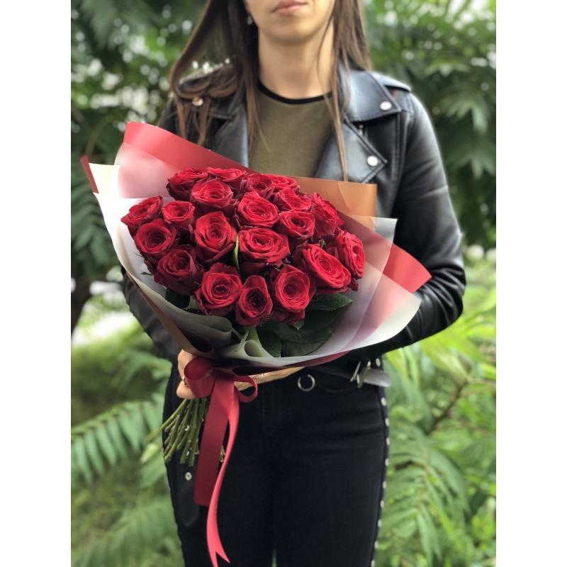 Букет из 25 бордовых роз «Гранд»