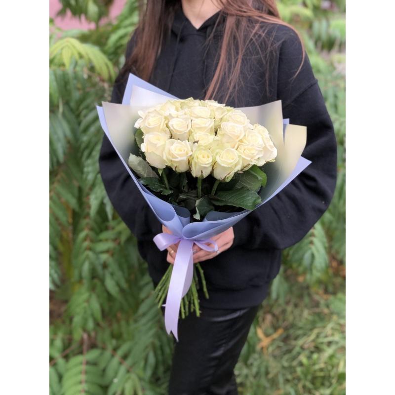 Букет из 25 белых роз «Сорбет»
