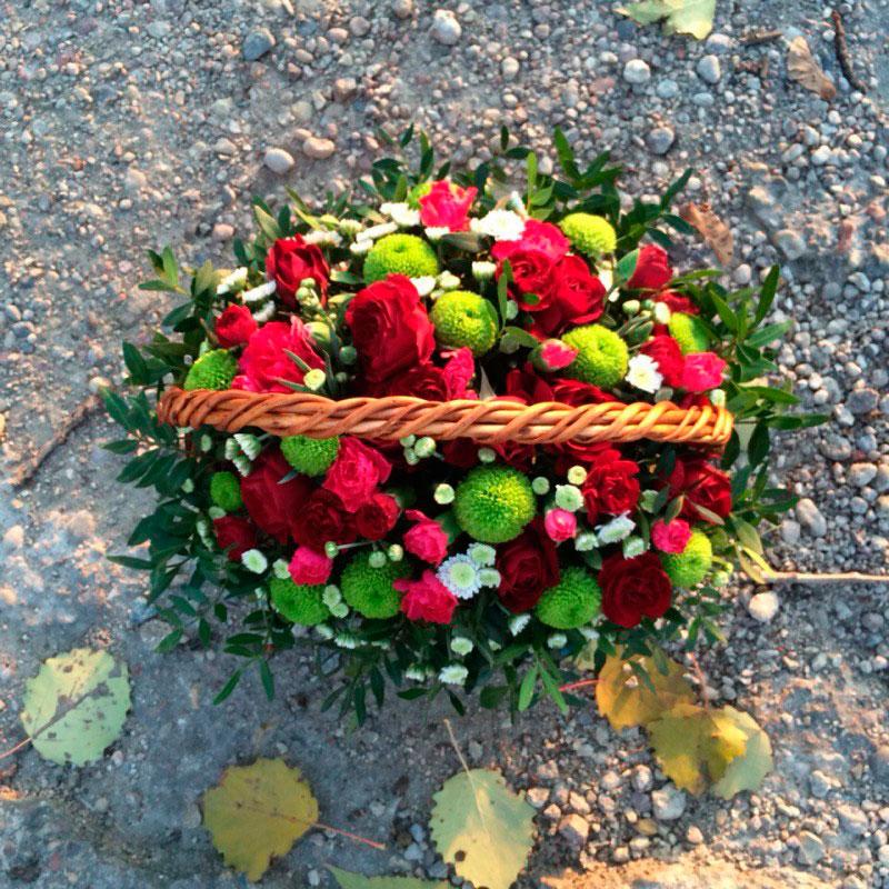 """Корзина с цветами """"Комплимент"""""""