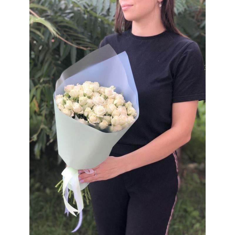 """Букет из 19 кустовых роз """"Акрополь"""""""