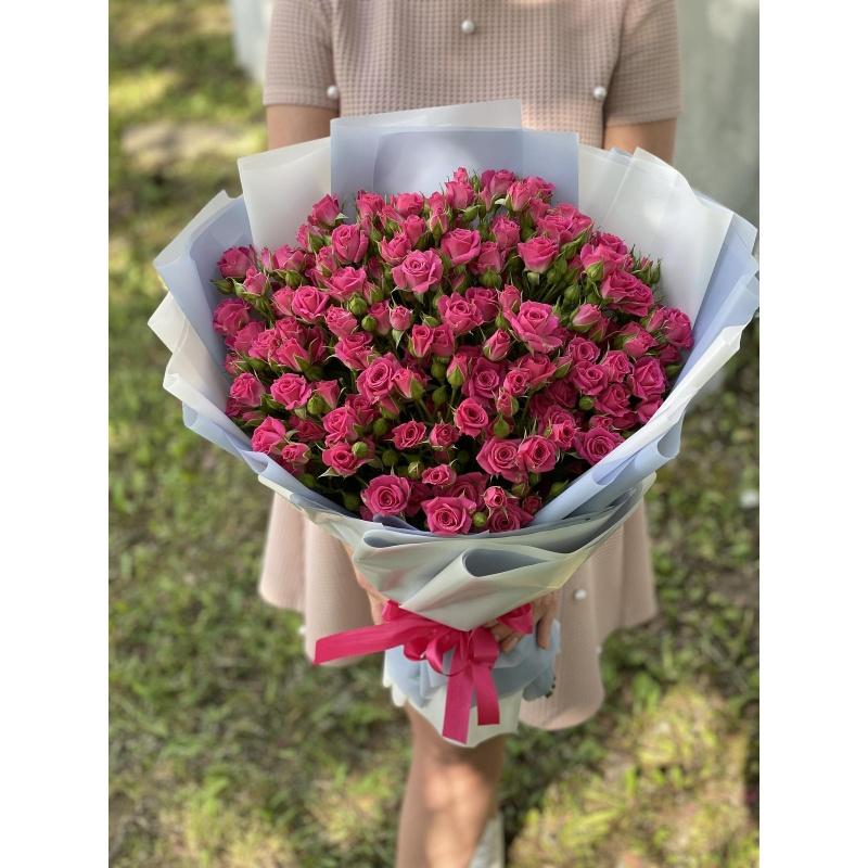 """Букет из 31 кустовой розы """"Фуксия"""""""
