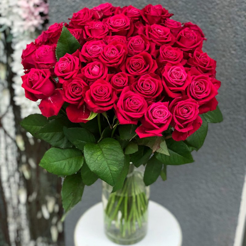 """Букет из 35 роз сорта """"Шангрила"""""""